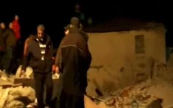 Σεισμός στην Αλβανία: Αγωνία για Έλληνα ομογενή που ψάχνει στα ερείπια συγγενείς του