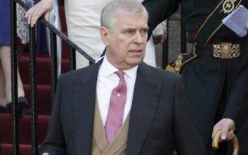 Υπόθεση Επστάιν: Ο πρίγκιπας Άντριου δηλώνει ότι απογοήτευσε την βασιλική οικογένεια