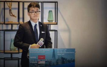 Εργαζόμενος στο βρετανικό προξενείο στο Χονγκ Κονγκ καταγγέλλει σύλληψη και βασανιστήρια στην Κίνα