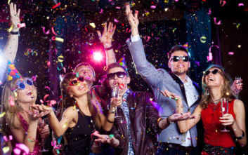 Κρυφά κορονο-πάρτι σε υπόγεια και ταράτσες της Θεσσαλονίκης παρά την αύξηση των κρουσμάτων