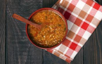 Φακές σούπα με ντομάτα
