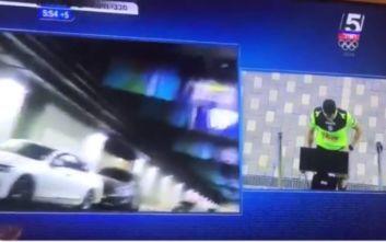 Απίστευτο: Διαιτητής πήγε στο VAR και αντί για την αμφισβητούμενη φάση έβλεπε το... πάρκινγκ