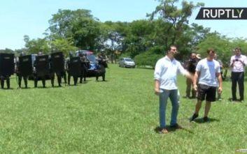 Υποστηρικτές του Γκουαϊδό κατέλαβαν τμήμα της πρεσβείας της Βενεζουέλας στην Μπραζίλια
