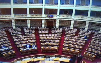 Μόλις... 5 βουλευτές και ένας υπουργός αυτή την ώρα στη Βουλή