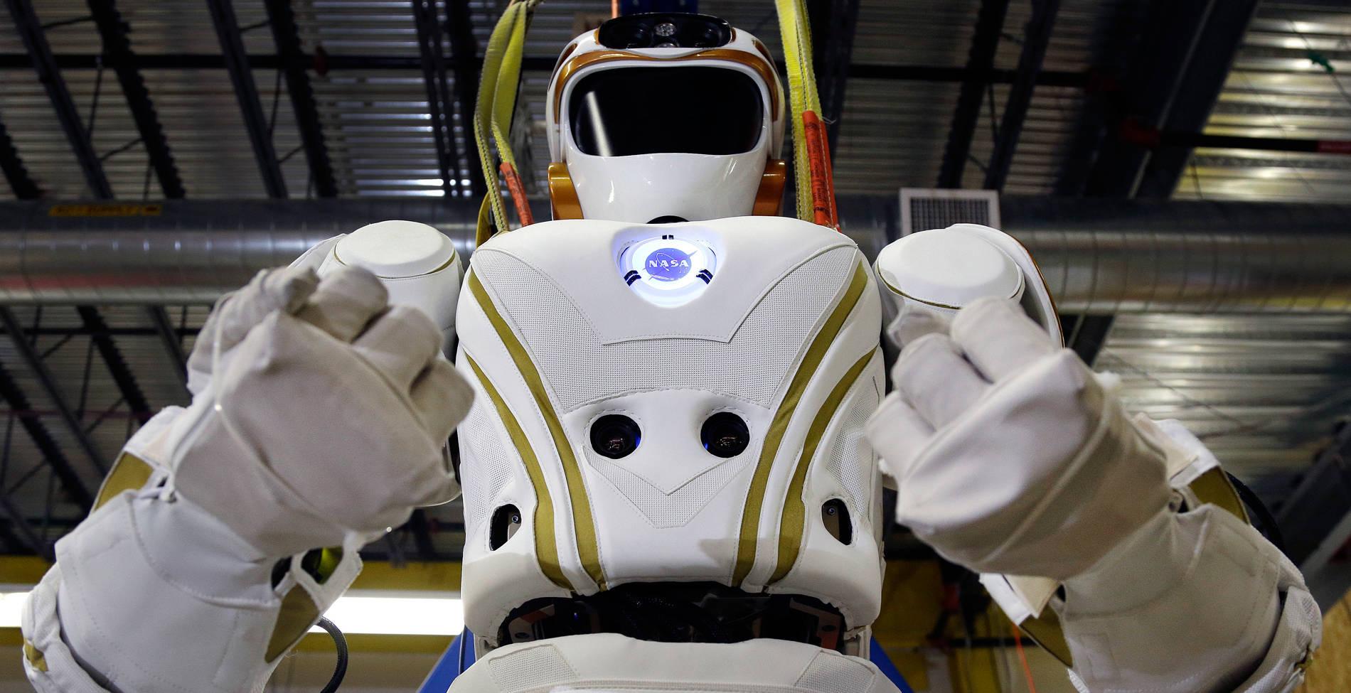 Τα ρομπότ θα μας πάρουν τις δουλειές και θα κατακτήσουν την ανθρωπότητα;