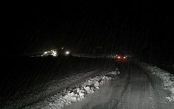 Φοιτητές εγκλωβίστηκαν σε λεωφορείο λόγω σφοδρής χιονόπτωσης στην Εύβοια