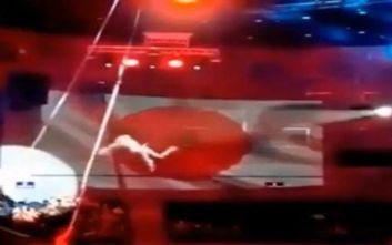 Τρομακτικό ατύχημα: 30χρονη ακροβάτης πέφτει στο κενό την ώρα της παράστασης