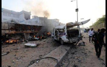 Σομαλία: Βομβιστής καμικάζι έπεσε με το αυτοκίνητό του πάνω σε όχημα του στρατού