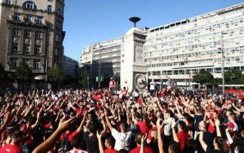 Ολυμπιακός – Ερυθρός Αστέρας: «Stop» από την αστυνομία στην κοινή πορεία των οπαδών προς το Καραϊσκάκη