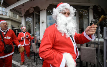 Ο Άγιος Βασίλης φέρνει λιγότερες εποχικές προσλήψεις αυτές τις γιορτές