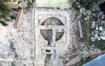 Εντυπωσιακές εικόνες στη Μεσσηνία: Ανακαλύφθηκαν δυο θολωτοί τάφοι στον Γρύπα Πολεμιστή