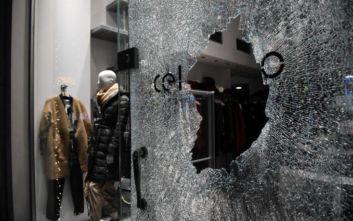 Καταδρομική επίθεση κουκουλοφόρων και στο κέντρο της Θεσσαλονίκης