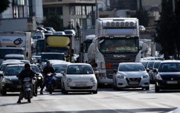 Κίνηση τώρα: Τροχαίο στην άνοδο της Αθηνών - Λαμίας, ουρές χιλιομέτρων
