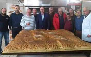 Χριστόψωμο 400 κιλών στην Αρναία Χαλκιδικής για την παραμονή των Χριστουγέννων