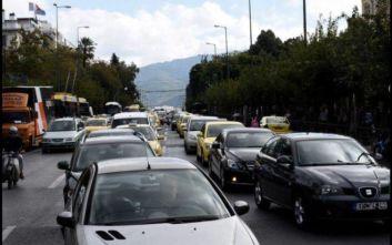 Δίπλωμα οδήγησης από τα 17 - Το σχέδιο του υπουργείου Μεταφορών