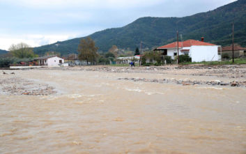 Κακοκαιρία Διδώ: Σε ποιους δρόμους στην Κεντρική Μακεδονία έχει διακοπεί η κυκλοφορία