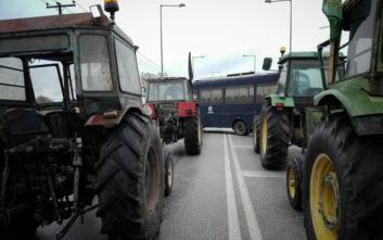 Αγρότες: Βγήκαν τα πρώτα τρακτέρ στη Λάρισα, κανονικά η κυκλοφορία