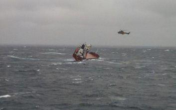 Σκύρος: Βίντεο που κόβει την ανάσα από τη διάσωση των ναυτικών