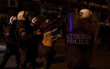 Αστυνομική βία: Αντιπαράθεση στη Βουλή με «σιδερένια γκλομπ» και «ομάδες στα όρια της παρανομίας»