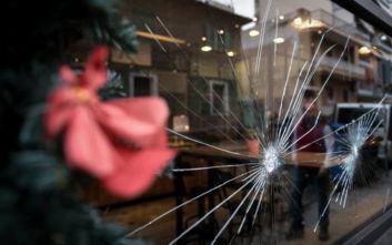 Καισαριανή: Φωτογραφίες από τις επιθέσεις σε δύο τράπεζες και κατάστημα