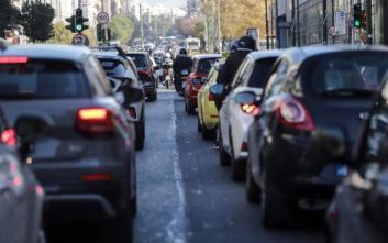 Κίνηση τώρα: Μποτιλιάρισμα λόγω τροχαίου στη λεωφόρο Αθηνών, στο ύψος του Σχιστού