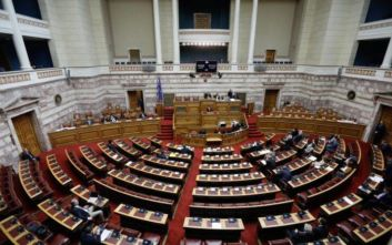 Κόντρα στη Βουλή για πανεπιστήμια και πτυχία κολεγίων