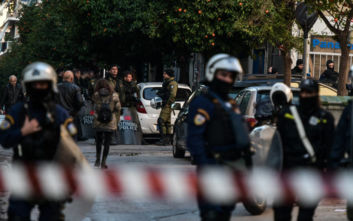 Δικηγόρος συλληφθέντων από το Κουκάκι: Δεν με αφήνουν να επικοινωνήσω μαζί τους, οι αστυνομικοί βιαιοπράγησαν