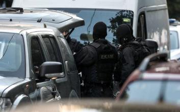 Ολοκληρώθηκε η επιχείρηση της Αστυνομίας σε κατειλημμένο κτίριο στα Εξάρχεια
