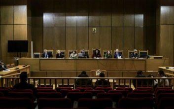 Δίκη Χρυσής Αυγής: Ευνοϊκές μετατροπές της κατηγορίας ζήτησε η εισαγγελέας για τις επιθέσεις κατά των ψαράδων και του ΠΑΜΕ