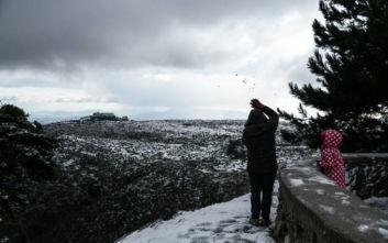 Βροχές, χιόνια και κρύο το Σάββατο - Το βράδυ έρχεται η «Ζηνοβία»