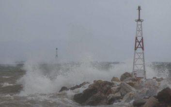 Απαγορευτικό απόπλου: Σε ισχύ έως τις 10 από το λιμάνι του Πειραιά