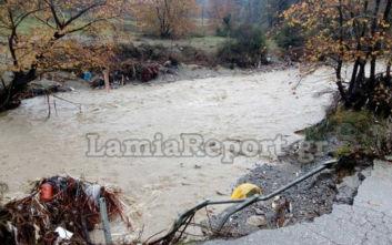 Κακοκαιρία Διδώ: Εικόνες καταστροφής στη Βόρεια Εύβοια, παρασύρθηκαν αυτοκίνητα