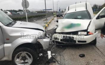 Λαμία: Σφοδρή σύγκρουση αυτοκινήτων με τραυματίες