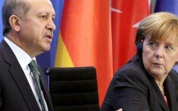 Έκτακτη επικοινωνία Μέρκελ - Ερντογάν για τη Λιβύη