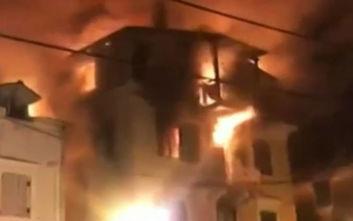 Βίντεο ντοκουμέντο από τη φωτιά στην Κέρκυρα: «Καίγονται παιδιά»