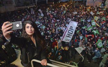 Άγκυρα: Συνελήφθη δήμαρχος του HDP ως ύποπτη για σχέσεις με Κούρδους μαχητές
