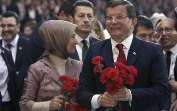 Νταβούτογλου κατά Ερντογάν: Ανακοίνωσε το νέο κόμμα, καταγγέλλει προσωπολατρεία