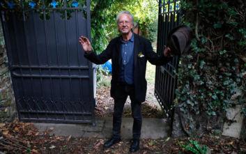 Νόμπελ Λογοτεχνίας: Παρά το κύμα αγανάκτησης ο Πέτερ Χάντκε παρέλαβε το βραβείο του