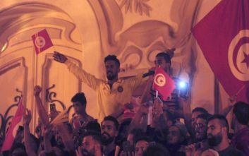 Άνεργοι νέοι απείλησαν να αυτοκτονήσουν ομαδικά στην Τυνησία