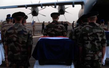 Υπέρ της στρατιωτικής επιχείρησης στο Μαλί η πλειοψηφία των Γάλλων παρά την τραγωδία