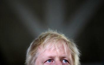 Εκλογές στη Βρετανία: Μειώθηκε το προβάδισμα του Τζόνσον έναντι των Εργατικών