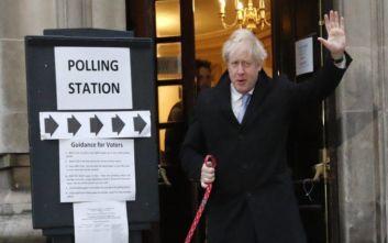 Εκλογές στη Βρετανία: Ο Τζόνσον καλεί τους οπαδούς του να… γιορτάσουν