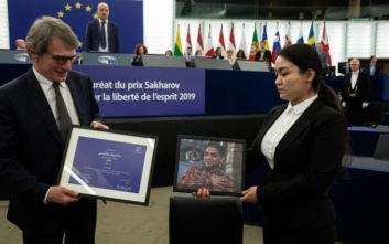 Η κόρη του Ιλάμ Τότι παρέλαβε εκ μέρους του πατέρα της το βραβείο Ζαχάρωφ