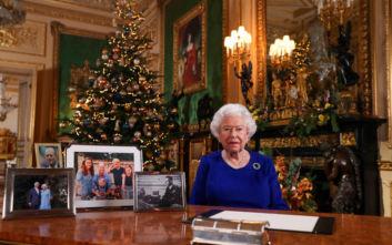 Πρωτοχρονιά: Έλτον Τζον, Ολίβια Νιούτον Τζον και Ρότζερ Τέιλορ θα τιμήσει η Βασίλισσα Ελισάβετ