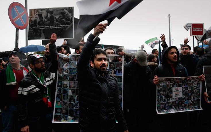 Συρία: Η Άγκυρα δεν εκκενώνει στρατιωτικές θέσεις της στην επαρχία Ιντλίμπ