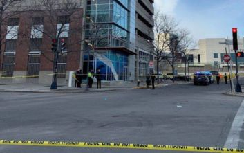 Μία γυναίκα και δύο παιδιά βρέθηκαν νεκρά σε πεζοδρόμιο στη Βοστώνη
