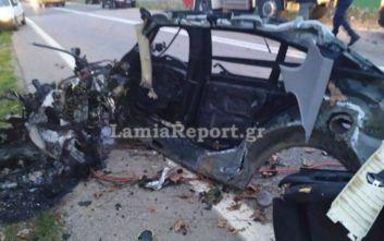Σοκαριστικό τροχαίο στη Φθιώτιδα: Το αυτοκίνητο έπεσε σε δέντρο και κόπηκε στα δύο