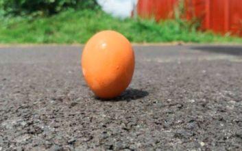 Τι είναι το πείραμα του όρθιου αυγού που μπορεί να γίνει μόνο στην έκλειψη Ηλίου