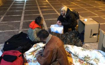 Η Έλενα Ράπτη με την «Αποστολή» επισκέφθηκαν τους άστεγους της Αθήνας