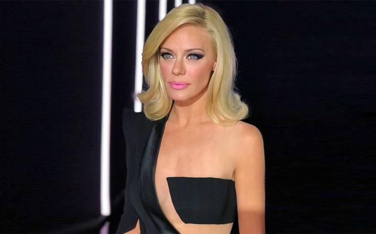 Η Ζέτα Μακρυπούλια κόβει ξανά την ανάσα με τη σέξι εμφάνισή της